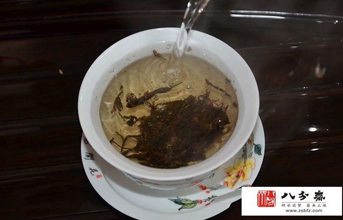 云南独特的食茶方法