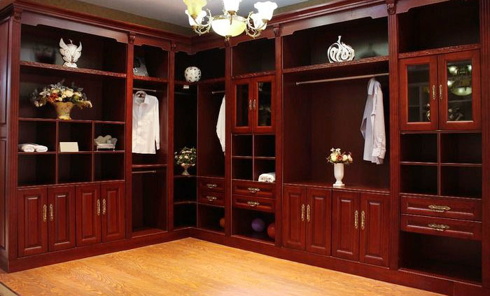 红木衣柜保养有诀窍:灵活运用更得当