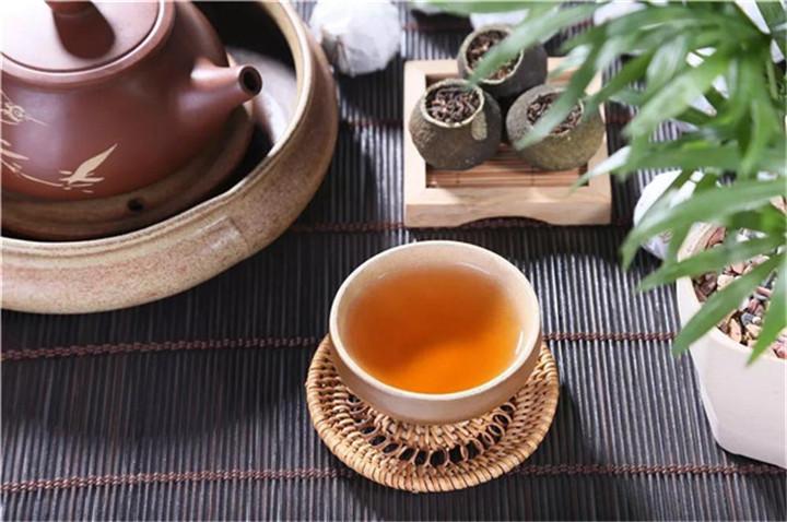 如何分辨普洱茶是手工压还是机器压?