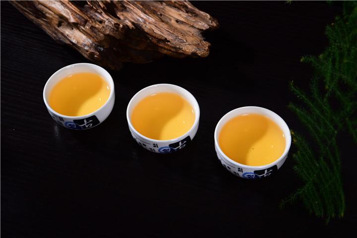 什么人适合在夏天喝普洱熟茶?