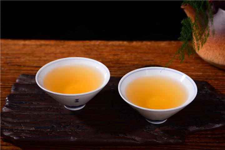 从茶园到茶杯:揭开普洱茶的神秘面纱