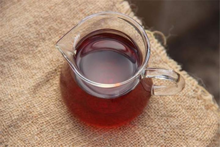 """说普洱熟茶的""""堆味"""""""