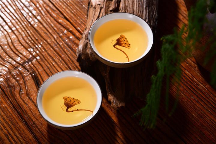 普洱茶饼与普洱散茶那个好?
