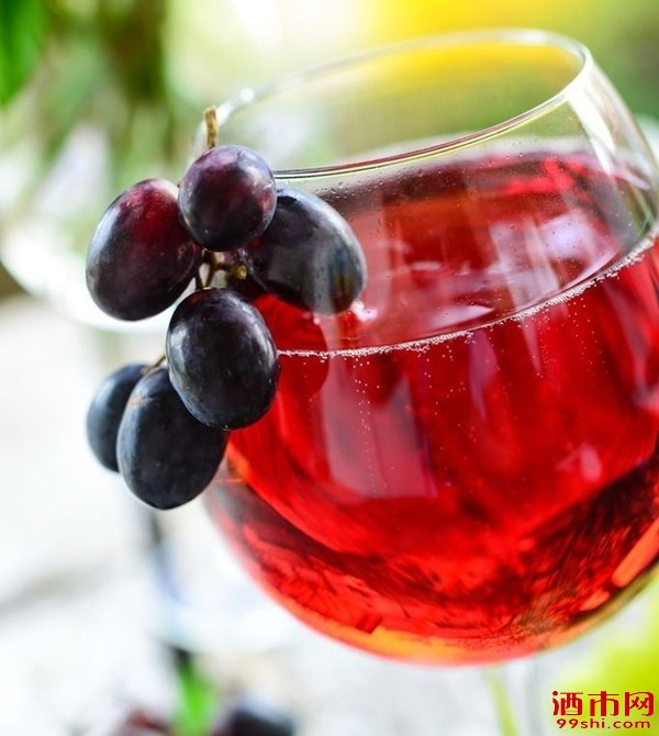 红葡萄品种三大贵族与餐配知识你造吗?