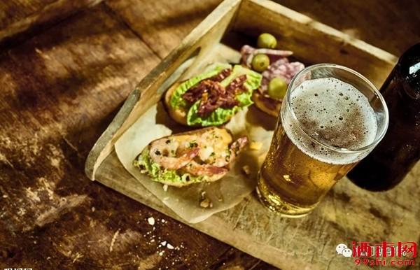 寻找啤酒的食物伴侣 | 红酒配肉,啤酒配什么?
