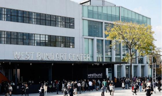 """卖""""疯""""了上海双艺博 国际画廊亮相中国市场的不同路径"""